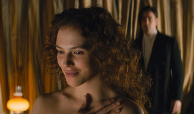 "'Downton Abbey' star Jessica Brown Findlay makes her film debut in ""Winter's Tale,"" now showing in Philippine cinemas. (Photo courtesy of Warner Bros.)"