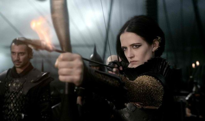 eva-green-300-rise-of-an-empire-pic4