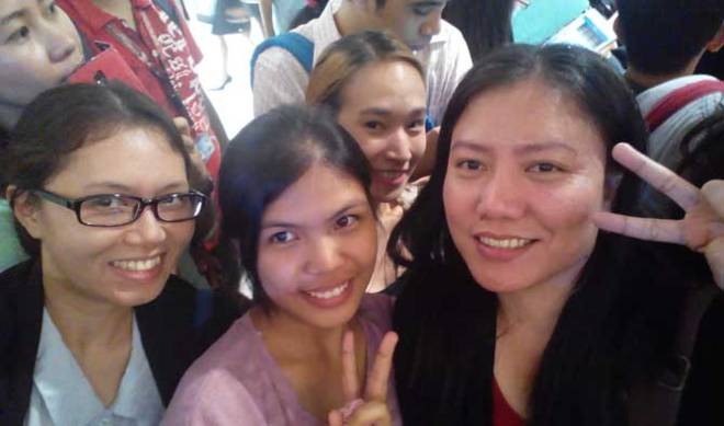 "Me with ""Rurouni Kenshin"" fans (from left) Camille, Maddie, and Blessher."